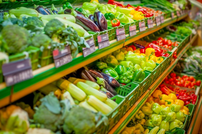 An image of fresh produce section at the grocery store.